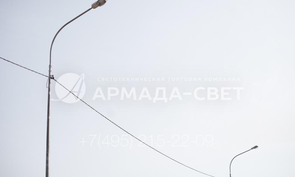 Опоры типа ОГС с воздушной подводкой кабеля должны идеально ровно стоять на месте и не отклоняться от вертикальной оси. Чтобы добиться этого, лучше использовать закладные детали фундамента и фланцевые конструкции. В этом случае наземная часть занимает правильное положение сама, если ЗДФ будет забетонирована правильно.