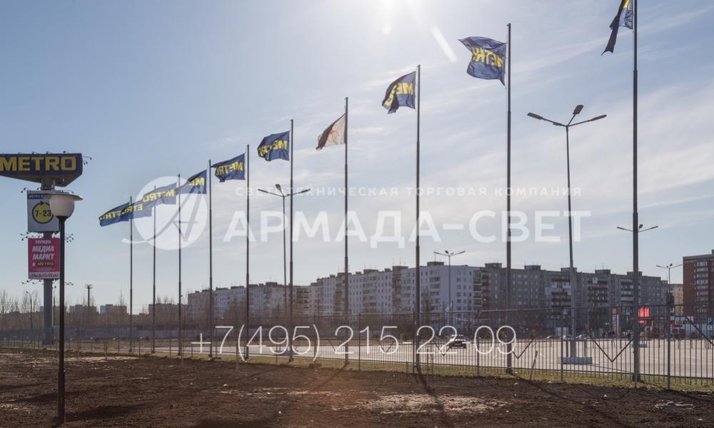 В современном строительстве флагштоки могут использоваться для оформления парковок, подъездных путей и пешеходных дорожек, которые ведут к торговым комплексам. Флаги на флагштоках привлекают внимание посетителей.