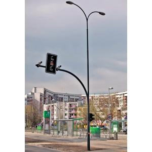 TuboTraffic TR Трубчатая опора для светофора с освещением дороги